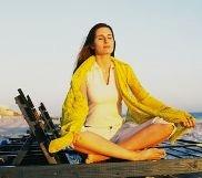 Woman meditatin