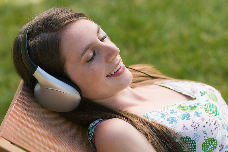 pretty girl listening to alpha meditation music